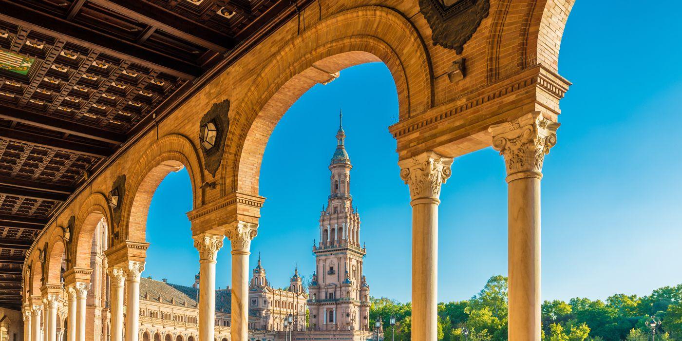Qué ver en SevillaDescubre qué ver en Sevilla. Hemos hecho para ti una selección fantástica para que disfrutes al máximo de tu viaje a Sevilla y no te pierdas nada.