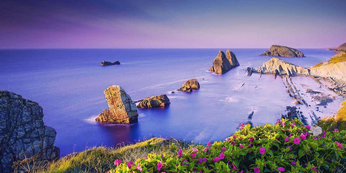 Qué ver en Cantabria - 10 lugares imprescindiblesCantabria, con sus hermosos paisajes de montaña, espectaculares acantilados y encantadores pueblecitos es una región que sin ningún tipo de duda te cautivará.